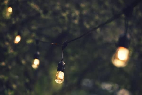 תאורת גינה – מערכות התאורה המומלצות ביותר לשנת 2021